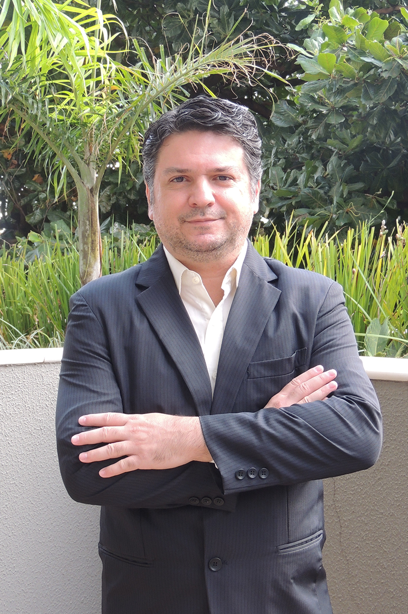 Prof. Dr. Alessandro Marques