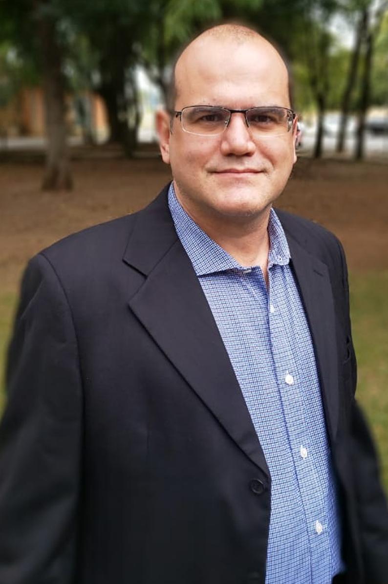 Prof. Dr. Alexandre Augusto Pescador Sardá