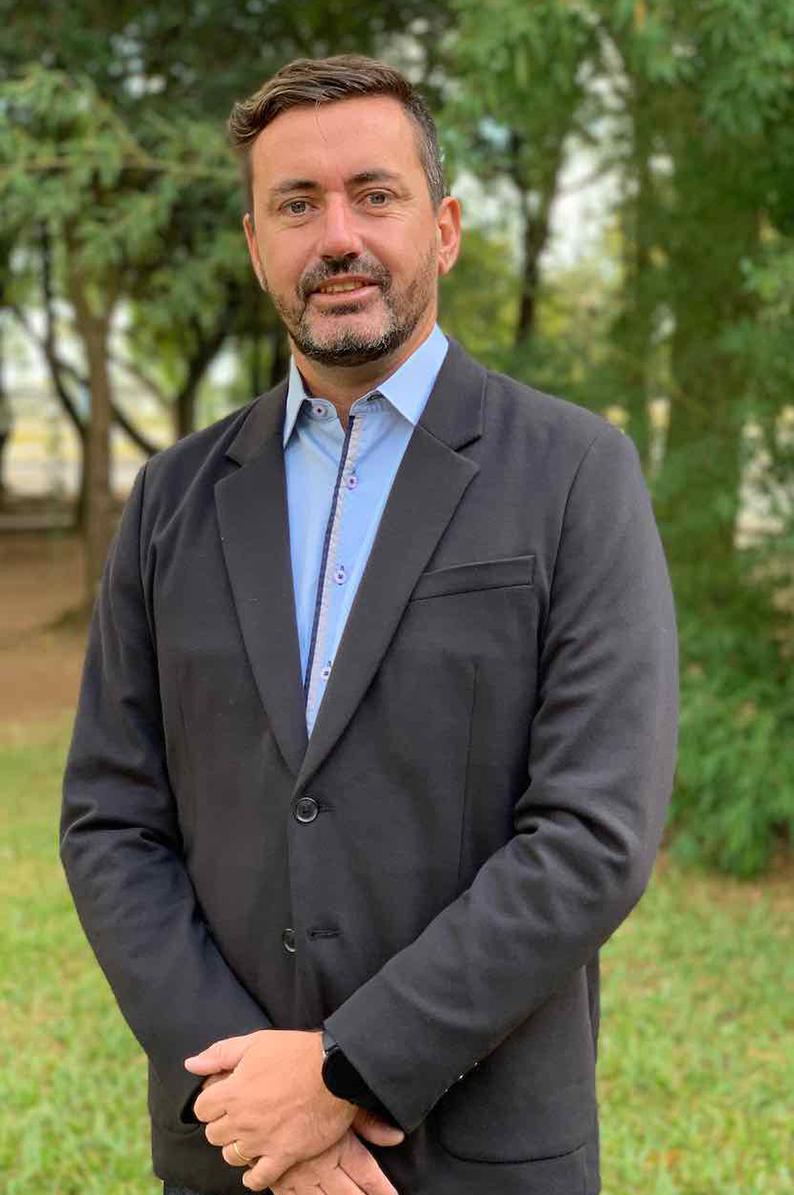 Prof. Dr. Márcio F. Catapan